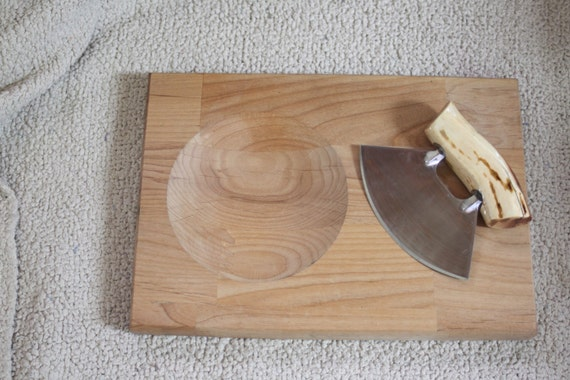 22. Ulu Knife w/ Chopping Board