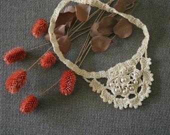"""Bijoux crochet """"Pétale de Perles"""""""