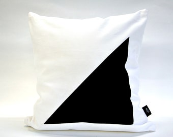 E/F Cushion Cover. White.