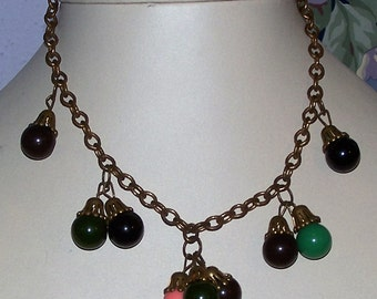 Wonderful Vintage 40s Necklace, Very Cool!