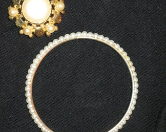 Brooch  with  bangle bracelet