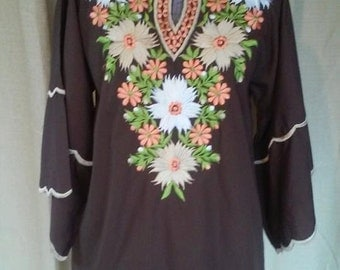 Vintage 70s/80s Embroidered Bell Sleeve Tunic by International Ideas