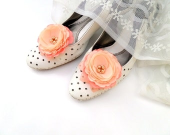Peach wedding,Shoes Clips,Silk Flower, Wedding Shoes, Peach coral flowers,Wedding  Accessories, Bride, gift,Peach flowers, Peach Shoes Clips