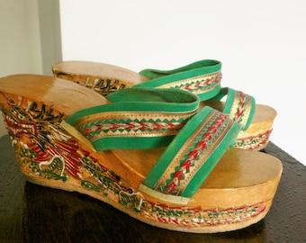 Vintage 1970's oriental platform wedge sandels carved dragon heels size 37 small