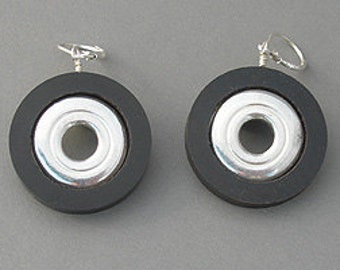 Inner Key Earrings (Item: E115)