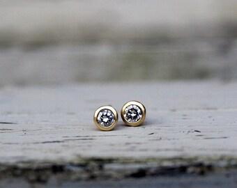 Small diamond stud earrings, 18ct yellow gold diamond earrings