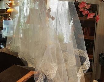 Simple Vintage Wedding Veil