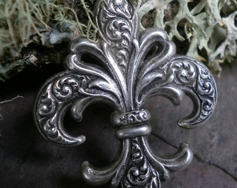 Silver Plated Stamping Fluer De Lis