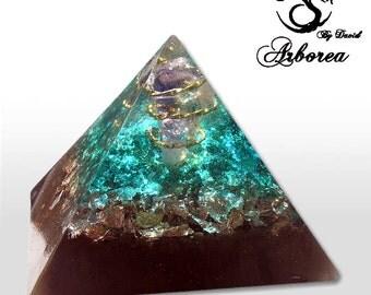 Orgone Pyramid, Orgonite ®  Amethyst, Pyramids orgone Arborea Crystals, Dreams Orgonite Pyramids