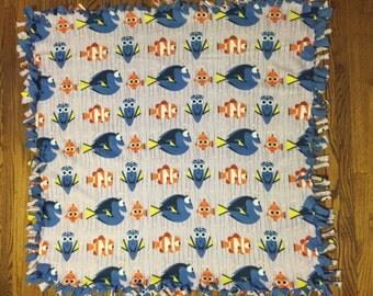 Finding Dory Fleece Tie Blanket