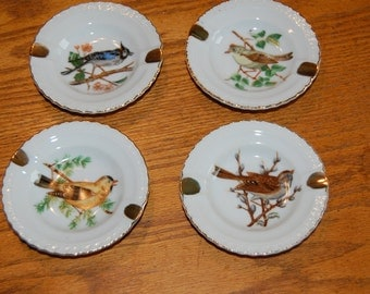 Vintage Ash Trays, Bird Ash Trays, Home Decor, Bird Plate, White Porcelain, Gold Trimmed Ash Tray, Made in Japan, Set of 4