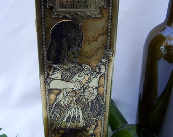 Dewar's Scotland Scotch Whiskey Tin Can Vintage Metal Box Collectible Storage Candy Jewelry Gift Box Tins