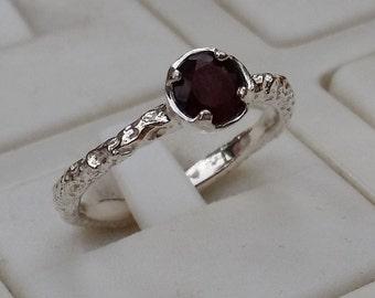 Garnet Silver Ring ,Sterling Silver Ring ,Engagement Ring , Handmade Garnet Ring, Birthstone Garnet Ring, Women Delicate Ring, Promise Ring