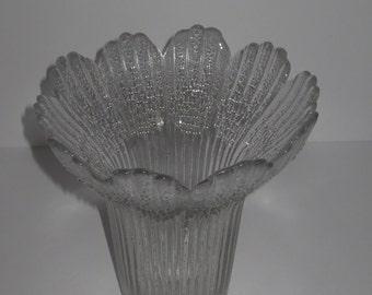 Vintage 70 's Finland Glass Vase , Pertti Kalioinen , Lasisepat Mantsalan , 7 1/4 inch height