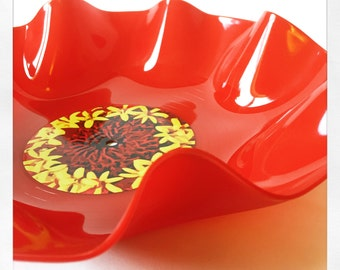 Red Vinyl Wiggly Flower Bowl - Red & Yellow Flower Design