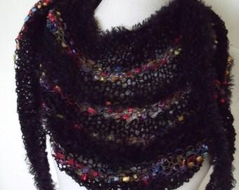 black triangle shawl with courses of confetti yarn (200 cm/40 cm)