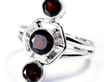 Garnet & .925 Sterling Silver Ring Size 8.75; P390