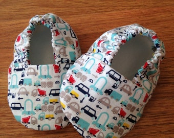 Baby Booties with Mini-Car Print