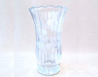 Vintage 80's Cut Crystal Vase with Laurel Pattern, Feminine, Delicate, Leaded Crystal, Clear Crystal, Crystal Vase, Glamour, Classic Beauty