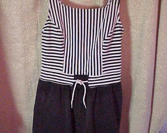 Vintage  1940 or 1950s Jantzen Black & White Bathing suit withAttched Short  #1002