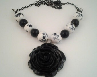 Black & White Rose and Flower Beads with Silver Necklace
