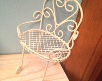 Mini white wire chair