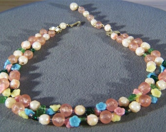 Vintage 2 strand floral Lucite glass bead necklace Jewelry **RL