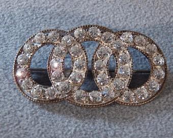 Vintage White Rhinestone Pin Brooch with Three Interlocking Circles **RL
