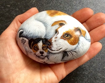 Painted pebble dog with puppy