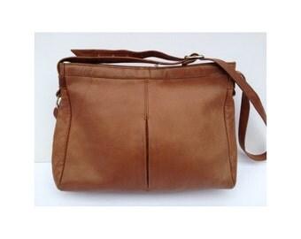 Vintage Brown Leather Shoulder Bag. Tan Leather Shoulder Bag. Brown Leather Cross Body Bag. Tan Leather Cross Body Bag. Brown Leather Bag