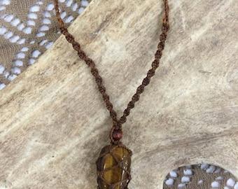 beautyful handmade earthy Tigers Eye Healing necklace