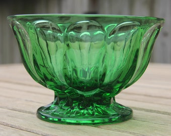 Green Glass Pedestal Bowl Candy Dish/Candy Bowl/Green Glass/Decorative Container/Candy Dish/Emerald Green