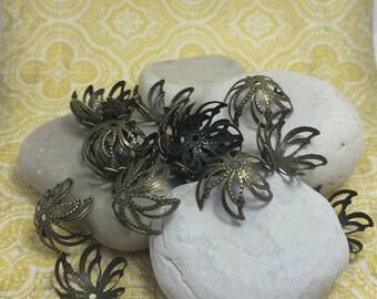 18 Stunning vintage NOS Bronze-tone Bead Caps - Qty (18) 9x15mm
