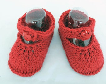 HAND KNIT BABY Booties, Newborn Baby Girl Shoes, Red  Newborn Baby Girl Shoes, Pure New Wool, Buttoned Strap Baby Booties, Newborn Size