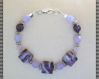 purple bracelet, plum bracelet, purple beaded bracelet, light purple bracelet, violet,