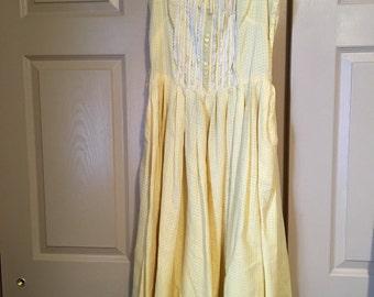 Vintage yellow 1950's sun dress