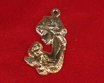 """5pc """"mother and baby"""" charms in antique silver (BC927)"""