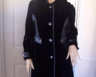 Astraka Fab Authentic Vintage Black Soft Faux Fur/Leather 60'S Coat SZ 8/10