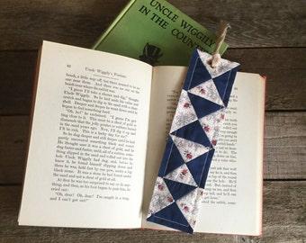 Quilt Block Bookmark, x-pattern, vintage & new fabric