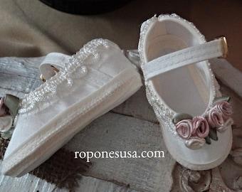 057E226 Ivory Baby shoes