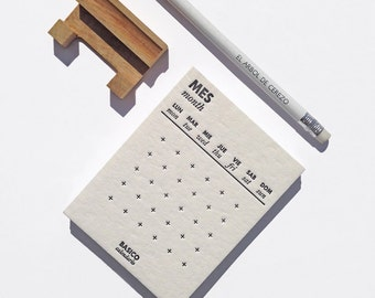 BASIC CALENDAR / Letterpress perpetual calendar, Minimalist desk calendar, Handmade calendar with wooden base, Monthly calendar.