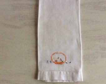 Vintage Linen Embroidered Cross Stitch Guest Hand Towel
