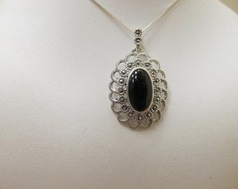 925 Silver Black Onyx and Marcasite Pendant Necklace Item W # 358