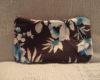 Blue Floral zipper pouch