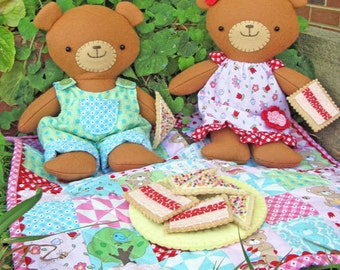 Picnic time pattern by Two Brown Birds