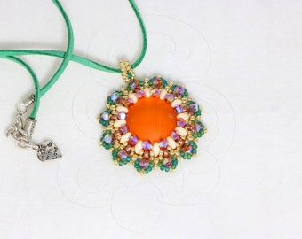 """Pendant """"Brianna"""", made entirely by hand, with soft touch, bicone Swarovski crystals and beads. OOAK Jewel."""