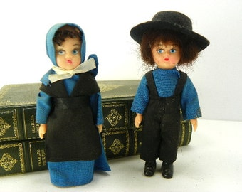 Mid Century Amish Doll Couple with Moveable Arms
