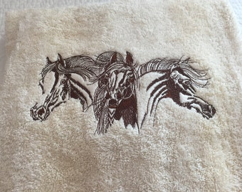 Bath Towel Embroidered with Horses Design / Ivory Towel with Black Stitching