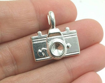 BULK 25 Camera Charms, Silver Camera Charms, Photography Charms, Bulk Charms (5-1065)