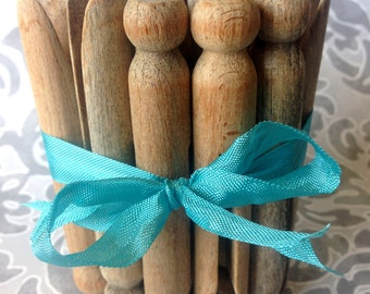 Vintage Clothespins, wooden clothes pins, old clothespin, classic clothespins, vintage craft supplies, wooden craft supply, clothespins, pin